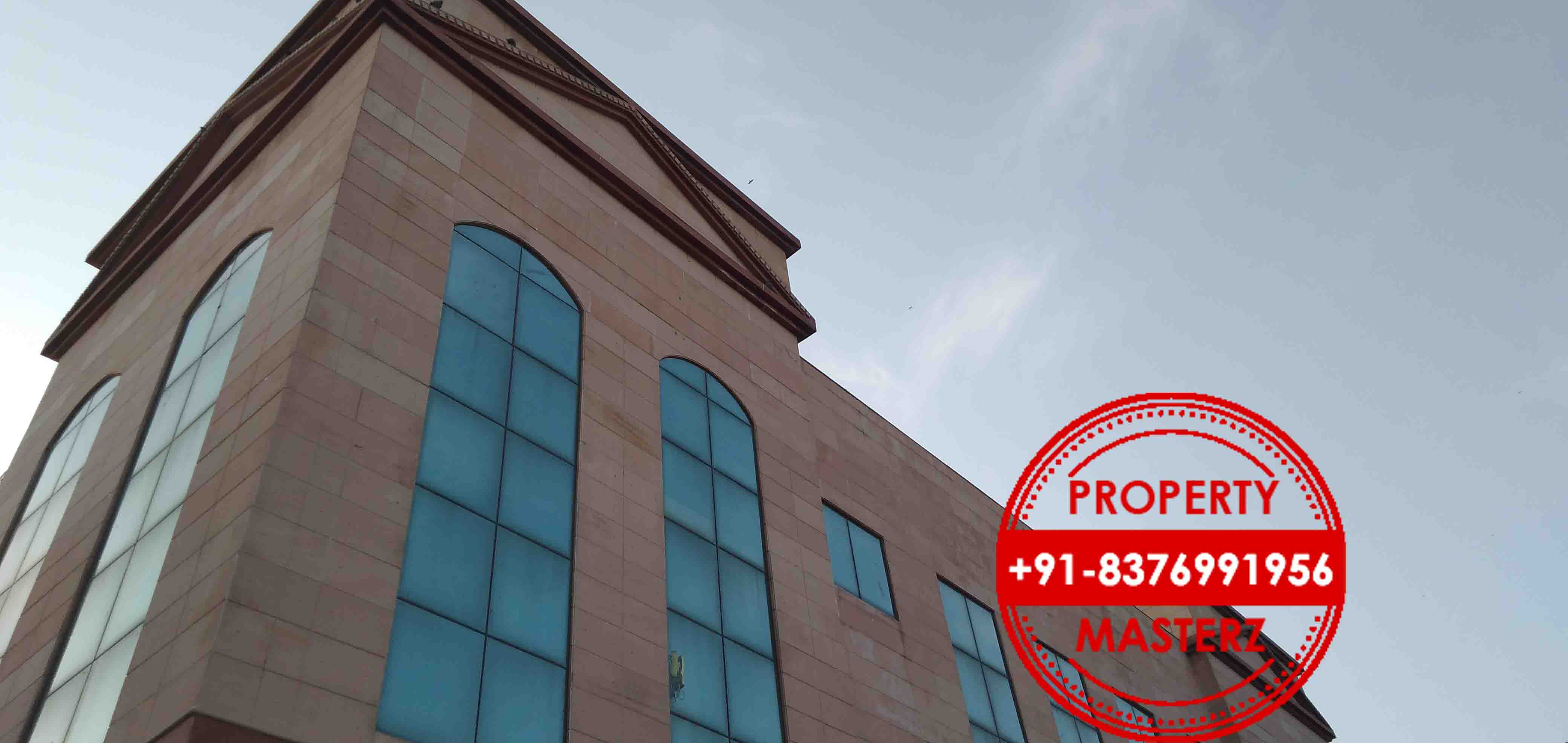 Fully furnished office space 13000 sq ft In Mohan Estate